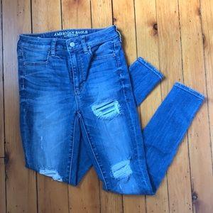 AEO Super Hi Rise Jegging Medium Wash Jeans